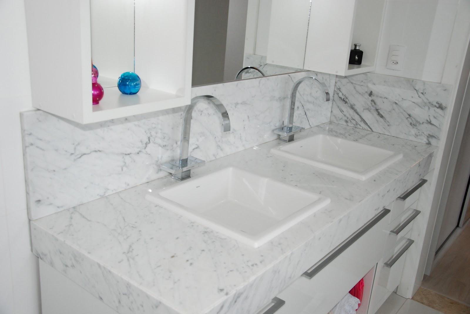 Planeta Pedras excelência em travertino granitos nacionais  #146A96 1600x1071 Banheiro Com Lavatorio Externo